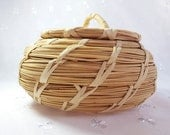 Vintage Papago Indian Beargrass Basket with Lid