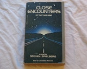 "Vintage Movie Paperback, ""Close Encounters of the Third Kind"" by Steven Spielberg, 1977"