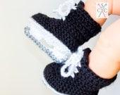 Newborn Ice Skates - Classic Hockey Skates - Crochet Baby Hockey Skates - Gifts Under 25 - Baby Shower Gift - Olympic Figure Skates