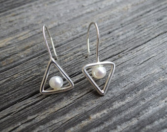 Silver Triangle Shape with Pearl Earrings. White Freshwater Pearl on Handmade Sterling Silver Drop Earrings. Geometric Modern Pearl Jewelry.