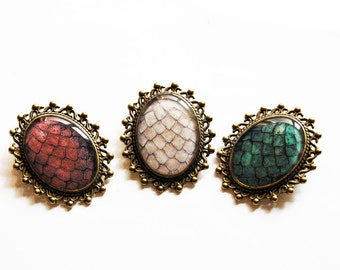 The Khaleesi Dragon Egg Brooch - Daenerys Targaryen Stormborn Mother of Dragons - Game of Thrones Jewelry - Game of Thrones Pin Brooch