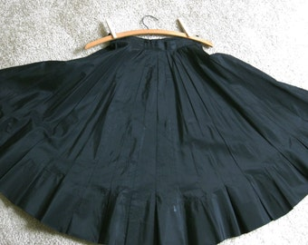 Black Taffeta Circle Skirt Small Lee Mar