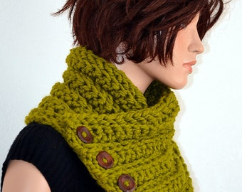 Crochet Fashion Neckwarmer/ Womens Crochet Neckwarmer/ Winter Fashion Scarf