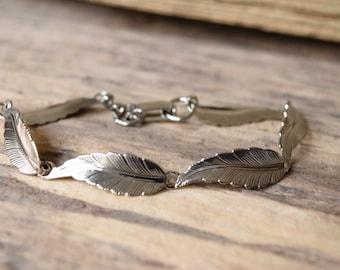 Feather bracelet - bohochic bracelet - native ameriacan, boho bracelet, feather link bracelet, bohemian silver - bohochic -silver bracelet