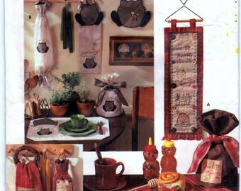 Simplicity 8184 Pattern Kitchen Accessories - Place Mat, Bag Holder, Wall Hanging, Tea Cozy