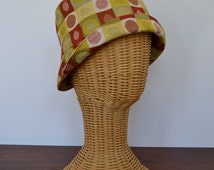 Retro Style Brocade Cloche or Bucket Hat - Vintage New - 1920's Flapper and London Mod Look