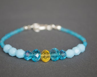 Friendship bracelet Glass bracelet Beaded bracelet Silver bracelet Dainty bracelet Pastel blue yellow Skinny Thin bracelet Delicate bracelet