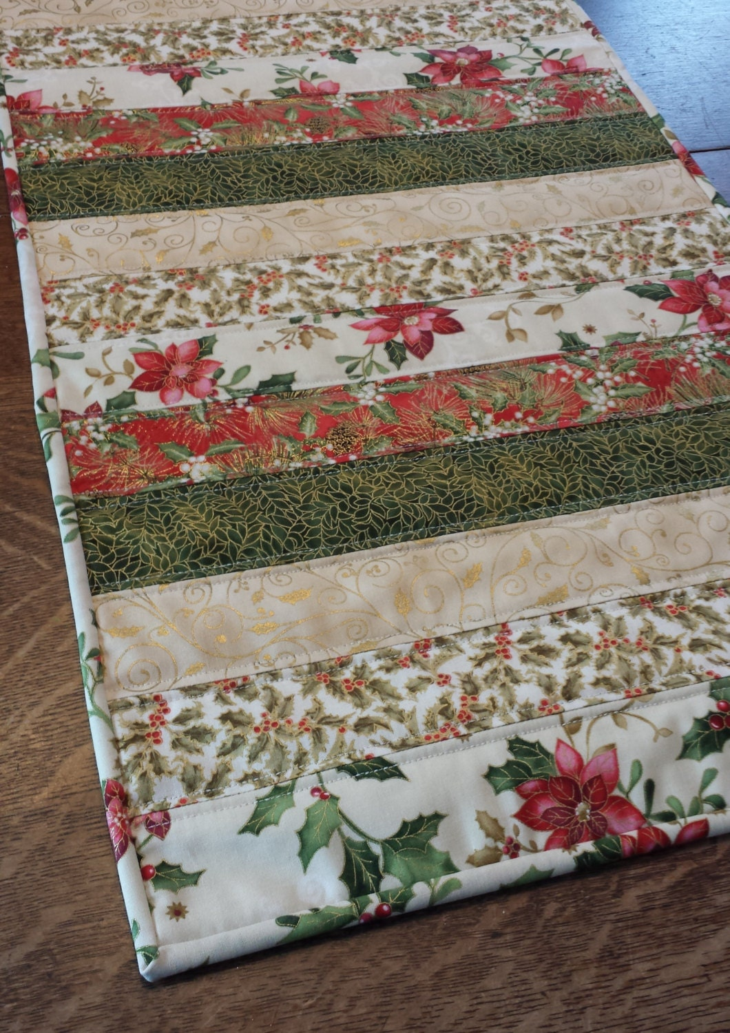 Quilted table runner christmas holiday