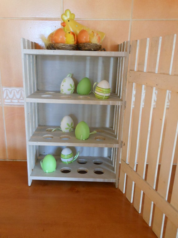 Vintage wooden egg holder for 24 eggs by cornsant on etsy for Egg tray wall hanging