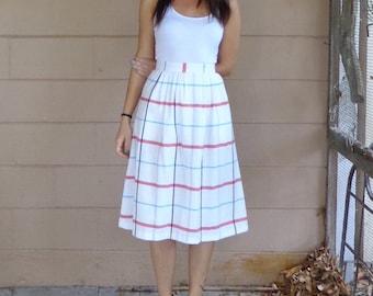 Plaid Midi Skirt / Vintage High Waisted / Pleats / Small