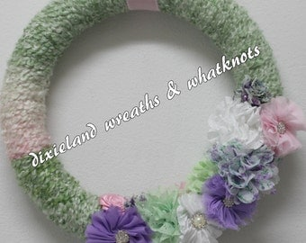 Yarn Wreath, Wreath, Pastel colored Wreath, Spring Wreath, Summer Wreath, Wreath with flowers, Wreath with bling