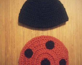 Crocheted Lady bug hat and bottom cover