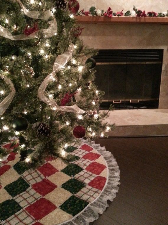 60 inch diameter red green white and gold christmas tree for Red green gold white christmas tree