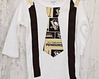 PITTSBURGH PENQUIN Baby Boy Suspender and Tie/ Shower Gift/ Pittsburgh Penquins/  Baby Boy Look/ Sports/Chic/Trendy Mom/Dad/Football