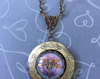 Dragonfly locket-Birthday,anniversary, valentine,mother,friend,bridesmaid,wife,bride,sister,christmas gift