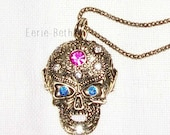JEWELRY NECKLACE Antique Gold Gothic Punk Skull Head Rhinestone Pendant Sweater Necklace