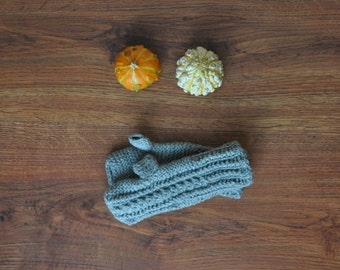 gray handknit fingerless gloves / cable knit hand warmers / acrylic knit mittens