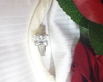 Sparkling Emerald Shaped White Sapphire Ring ~ 925 Sterling Silver ~ Size 6.5