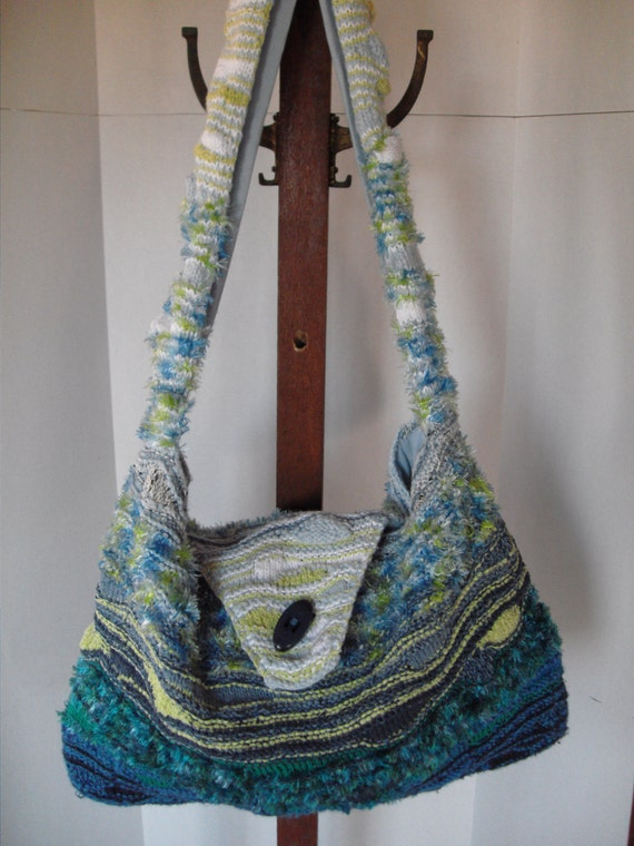 Extra large knit overnight bag messenger bag in blue and