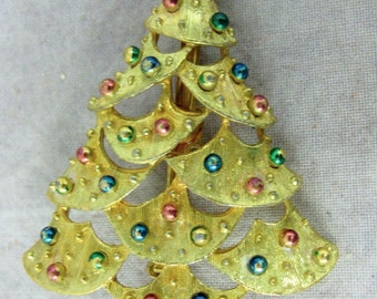 Cute Vintage Christmas Tree Pin by Gerrys - Holiday Jewelry Pin Broach Brooch Xmas Gold