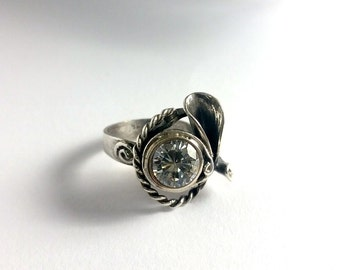 Unique silver ring, sterling silver ring, unique rings for her, quartz silver ring, engagement ring, gemstone ring, flower silver ring