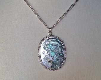 NECKLACE SEASHELL, ABALONE, Black Lip Sea Shell Pendant in .925 Sterling Silver with silver chain