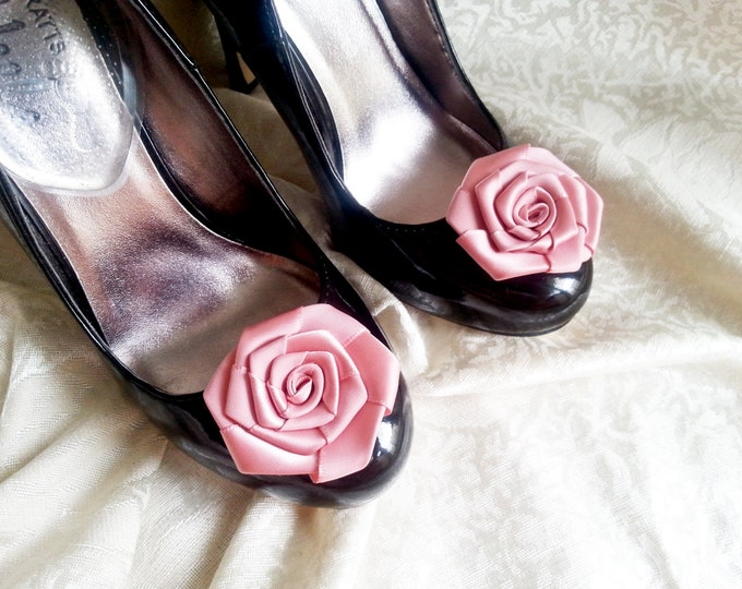 Handmade satin roses shoes clips in dusky pink