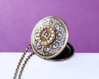 Initial Locket, Brass Locket, Vintage Brass Locket Necklace, Secret Locket, Antique Locket, Gift for Her, Bridesmaid Locket