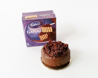 Cadbury Miniature cake scale 1:12 / Miniature Food scale one inch / Miniature chocolate cake bakery / Doll's House miniature sweets