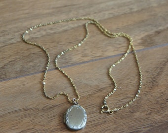 Vintage  Jewelry  Necklace Chain Sterling Silver with Gold Filled Pendant locket Photo  W-133