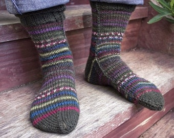 Easy to Knit Mens Socks on Two Needles S (M, L, XL) PDF file only