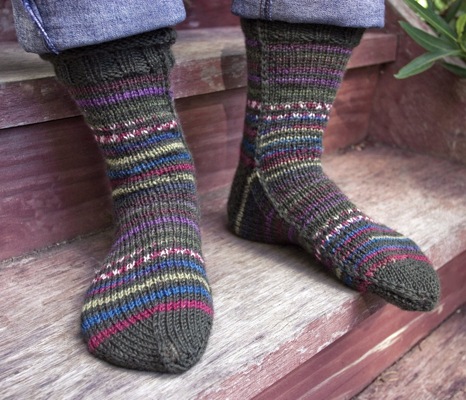 Easy to Knit Mens Socks on Two Needles S M L XL PDF file