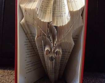 Book folding pattern for Christmas Holly and berries