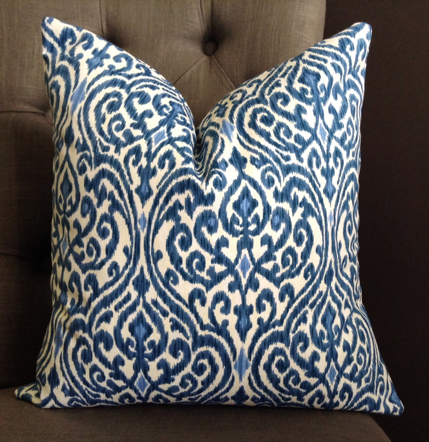 Pillow cases come in standard size pillowcases, Queen pillow cases and King pillowcases. White is the standard color for bulk pillowcases, but we also offer pillowcases in bone, seafoam and rose colored pillow cases.
