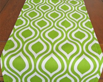 Chartreuse Green Table Runner, Lime Green Table Runner, Green Wedding Table Runner, St. Patrick's Day Table Runner, Lime Christmas