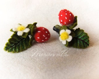 """Hairpins for hair """"Strawberry"""" needle felt  a set of hairpins"""