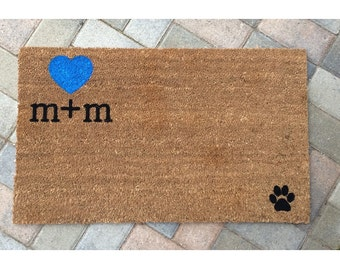 Custom initials welcome mat / Personalized doormat / Wedding Gift / Housewarming Gift / Gift for Girlfriend / Mother's Day Gift / Engagement