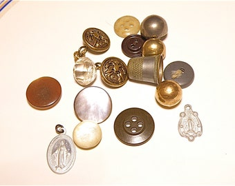 40% OFF SALE -- Mixed Lot: Vintage Buttons, Thimble, and Religious Medals -- Lot CC