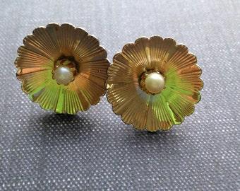 50s/60s Pretty Silver FLOWER Earrings - Silvertone Screwback Earrings