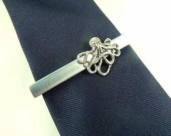 Tie Bar Tie Clip,   Mens Steampunk Silver Octopus Tie Clip Mens Accessories Wedding Jewelry  Groomsnen Gift  Handmade