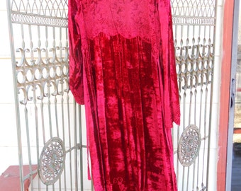 Vintage Red velvet embroidered April Cornell dress Size Small