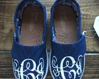 Hand Painted Vine Monogrammed Custom Tiny TOMS