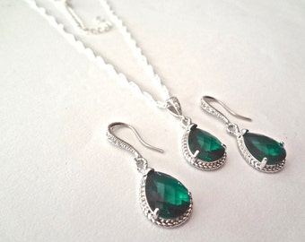 Emerald necklace and earrings set ~ Sterling Silver ~ Bridal jewelry ~ Irish ~ May Birthstone ~ Bridesmaid ~ Birthday ~ Anniversary ~ Gift
