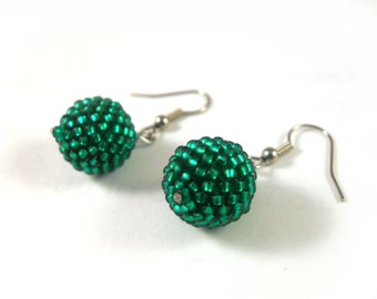 Emerald  earrings, small earrings, green beaded bead earrings