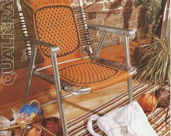 Vintage Pattern Booklet for Weaving - Placemat - LAWN CHAIR - Covered Metal Coat Hanger - SLIPPERS  - English & French Insutructions