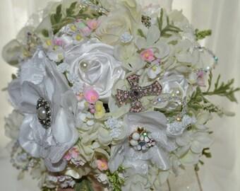 Flower girl/small bridal bouquet, Brooch bouquet, Custom bouquet, Vintage bouquet, Holy Communion bouquet, fabric flowers, handmade flowers