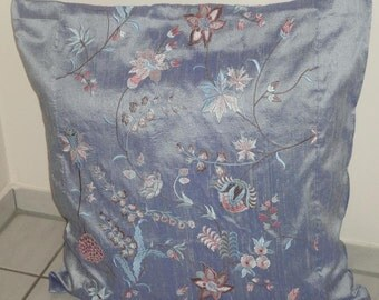 Silk Dupioni cushion cover with embroideries