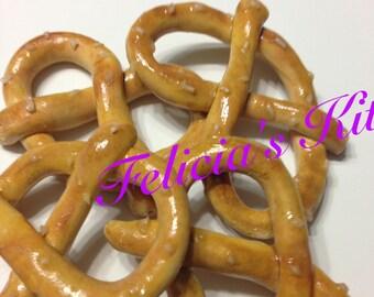Jumbo New York City Pretzel, pretzels for your american girl doll or 18 inch doll, pretzels for 18 inch dolls, polymer clay pretzel