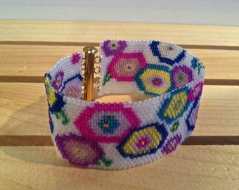 Abstract Floral Beaded Bracelet - FREE U.S. SHIPPING