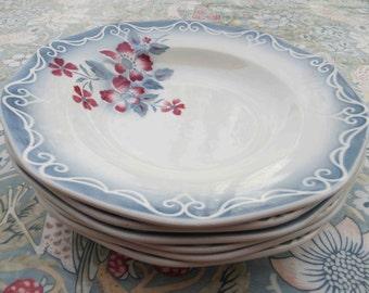 Charming Set of 6 floral porcelain bowls